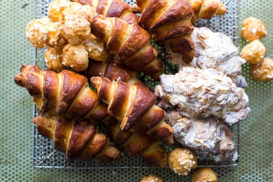 Freshbaked_croissants