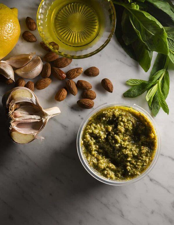 Green vegan pesto